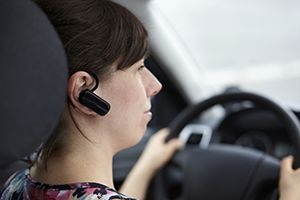 hands-free devices distract drivers